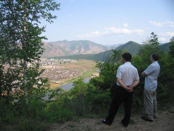 Overlooking Musan, DPRK, at the Tumen River (Yanbian-North Hamgyong border) - photo by Chuck Kraus, 2007