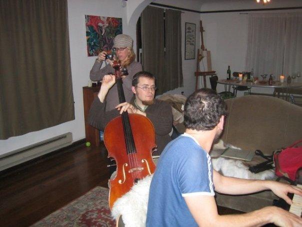 avec l'Eliezer, l'ecologiste au Haut, pianiste brilliante, le gens vraiment drole, tellement mon ami, fraternatie eternelle.