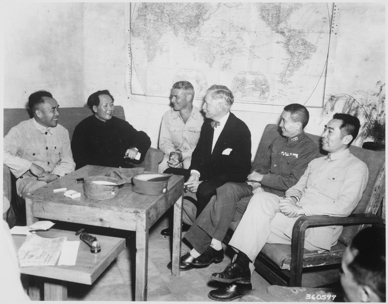 Conference_at_Yenan_Communist_Headquarters_before_Mao_Tze_Tung,_chairman,_left_for_Chungking_meeting._Central_figures..._-_NARA_-_531400.tif
